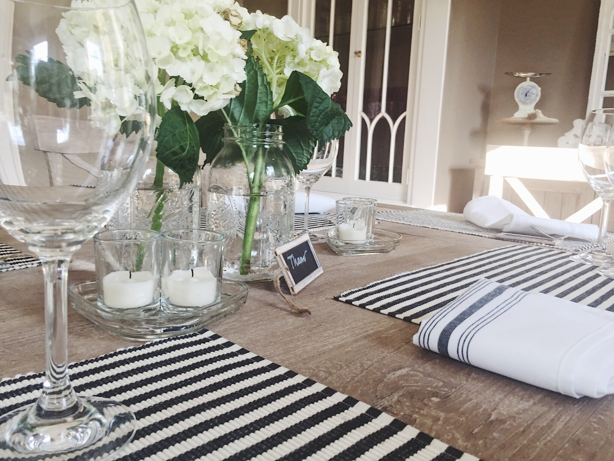 chalkboard place cards on dinner table