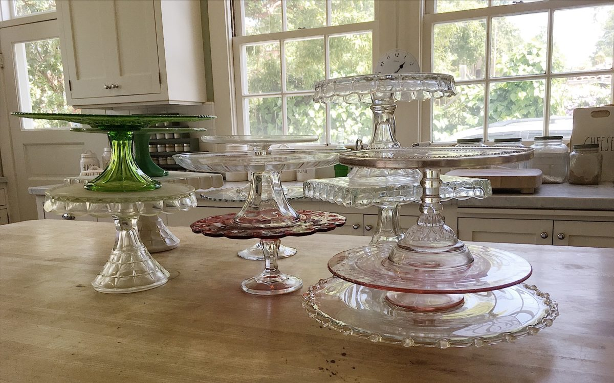 53081f617f4 Collect cake stands