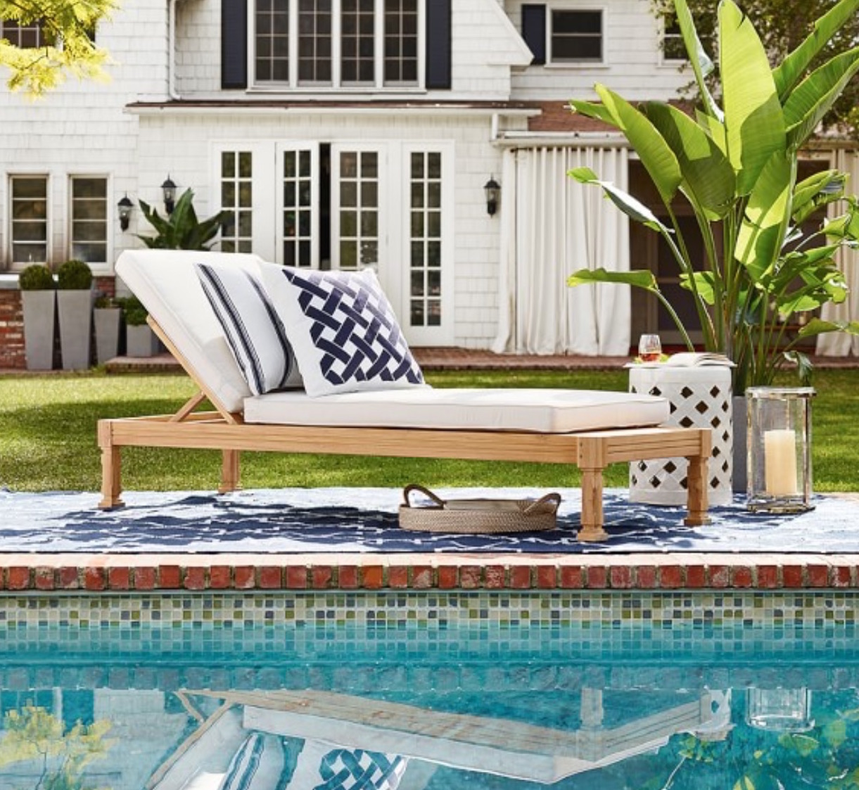 williams sonoma somerset teak chaise.JPG