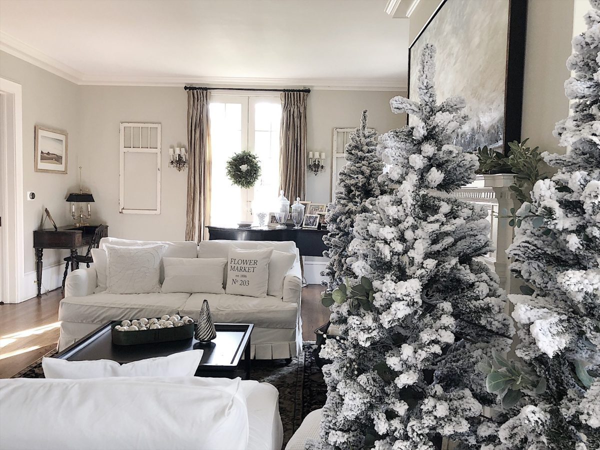 Sensational Decorating For Christmas In Our Living Room Interior Design Ideas Tzicisoteloinfo