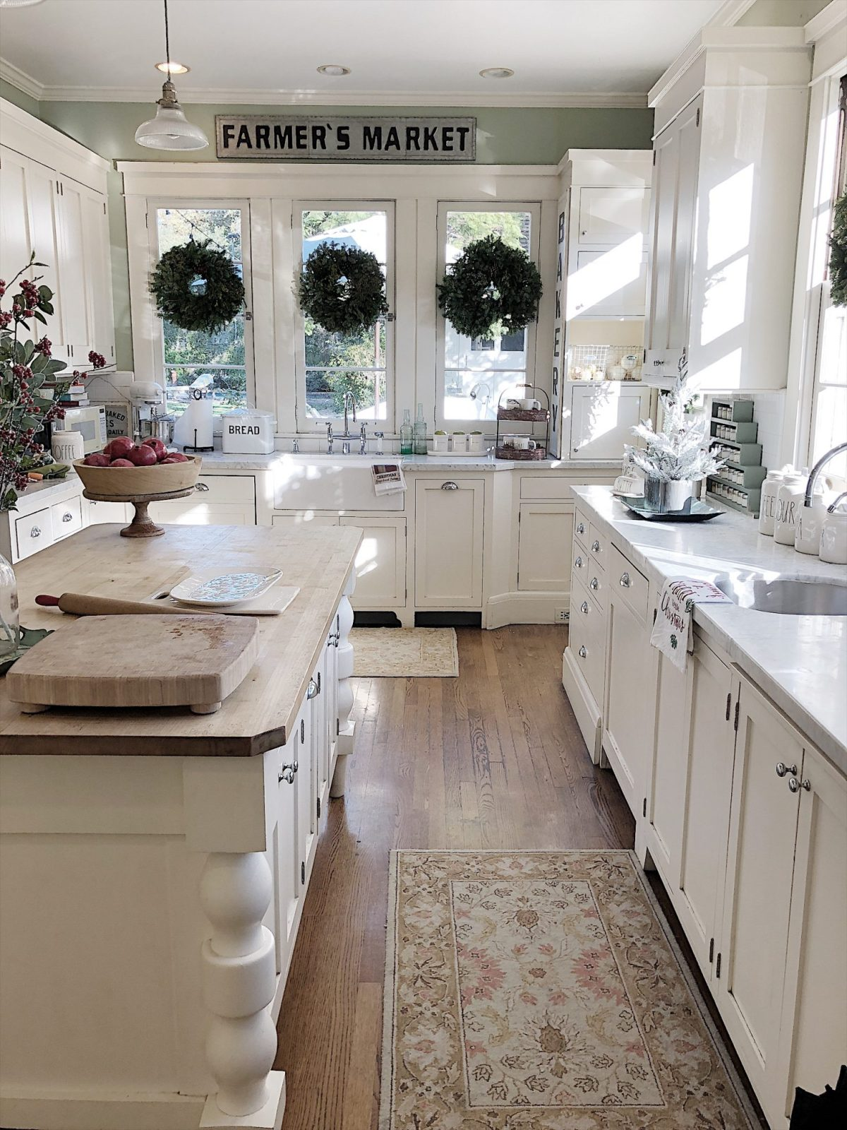 White Rustic Farmhouse Kitchen Cabinets