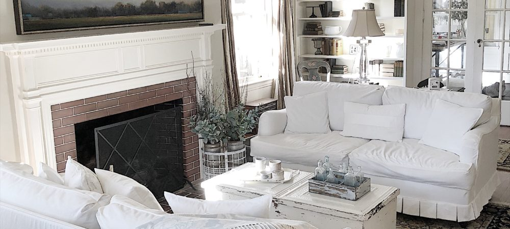 How a White Palette Makes it Easier to Add Color in Your Home