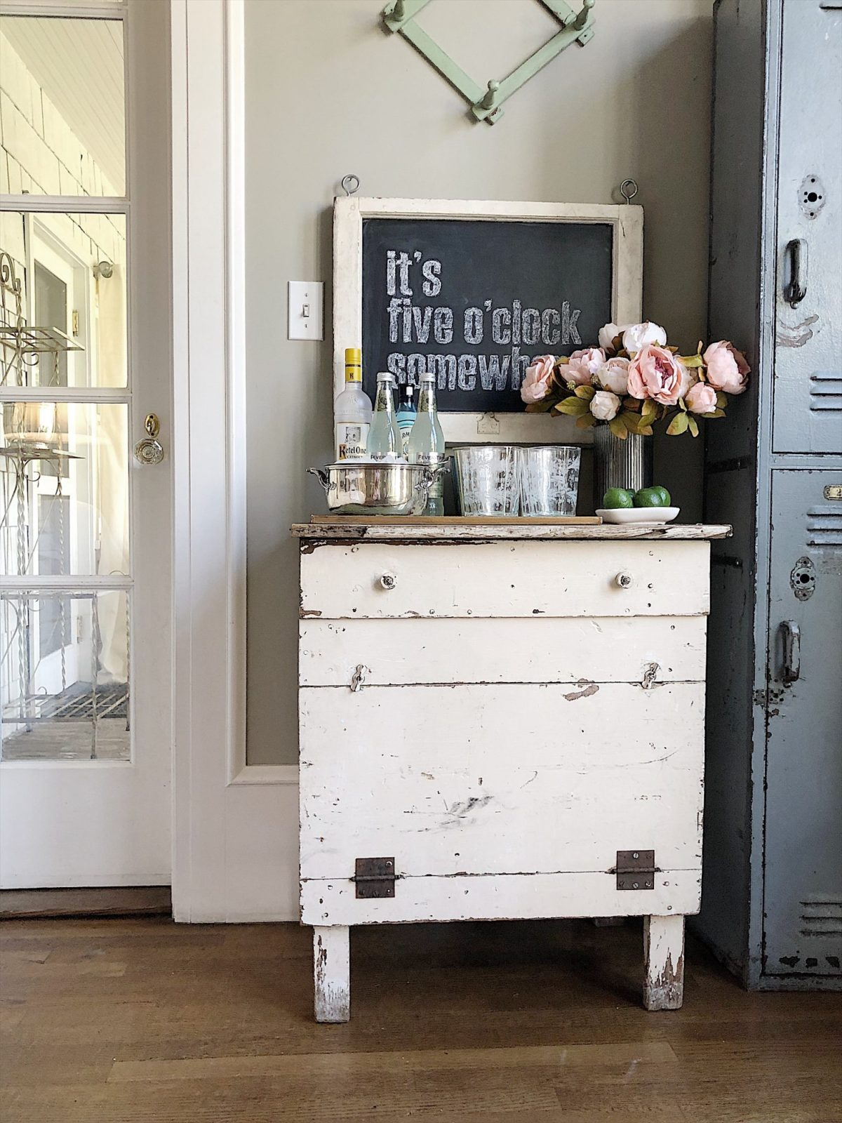I Have Promised My Husband For Months That Would Set Up A Nice Bar Cart In Our Home When The Online Interior Design Site Havenly Shared Their Tips
