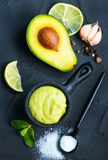 The Best Grilled Chicken with Pistachio Avocado Sauce