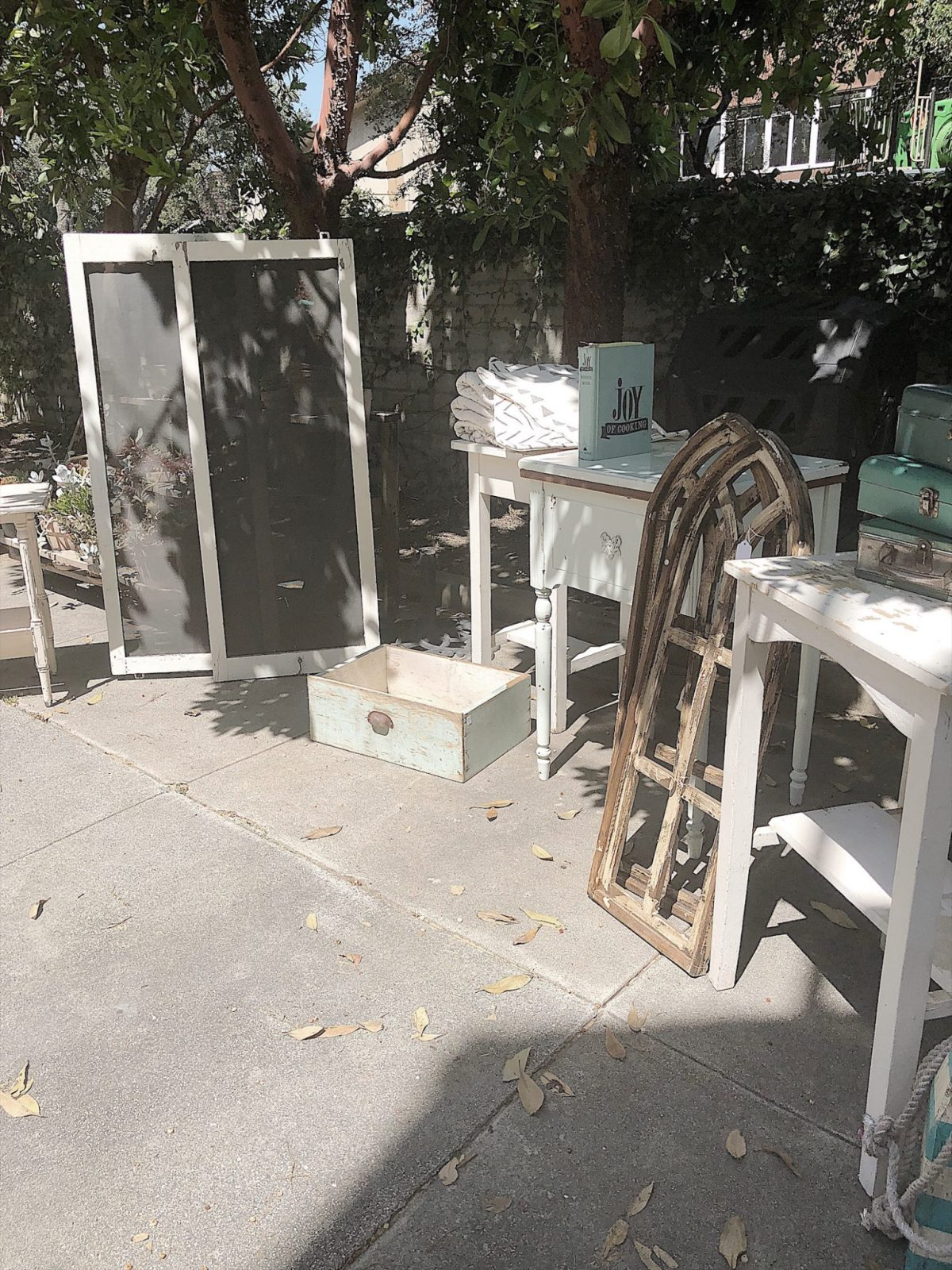 Flea Market Home Decor: Sharing DIY Projects And Affordable