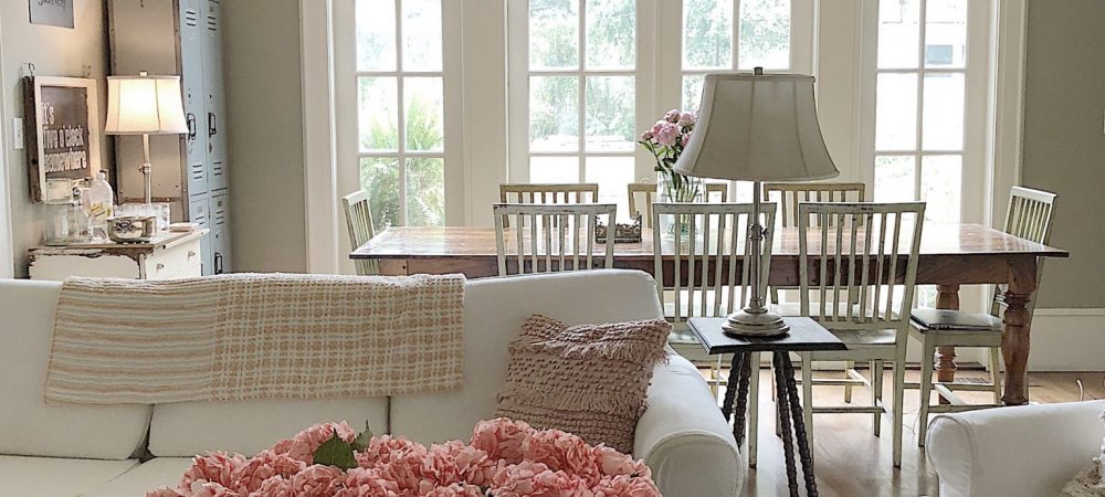Easy Elegance Wednesday – How to Add Color to Your Family Room