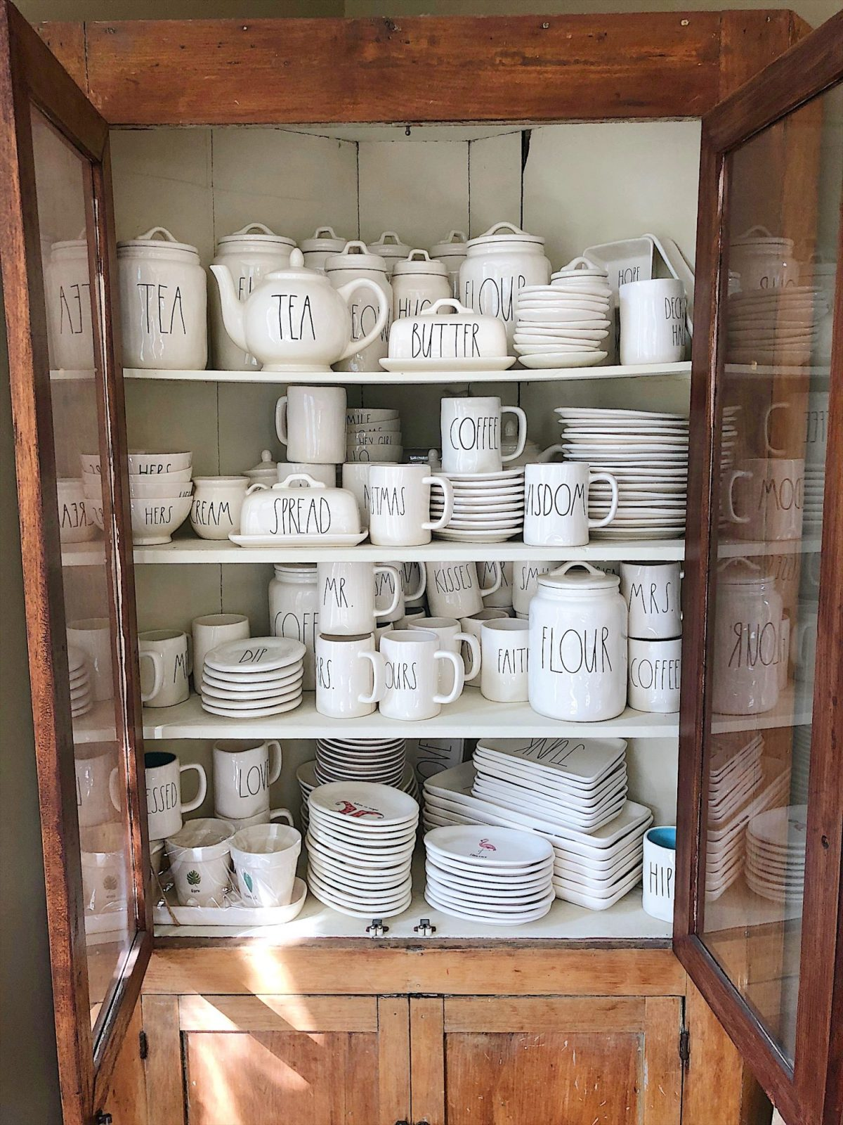 Set A Table With Rae Dun Pottery
