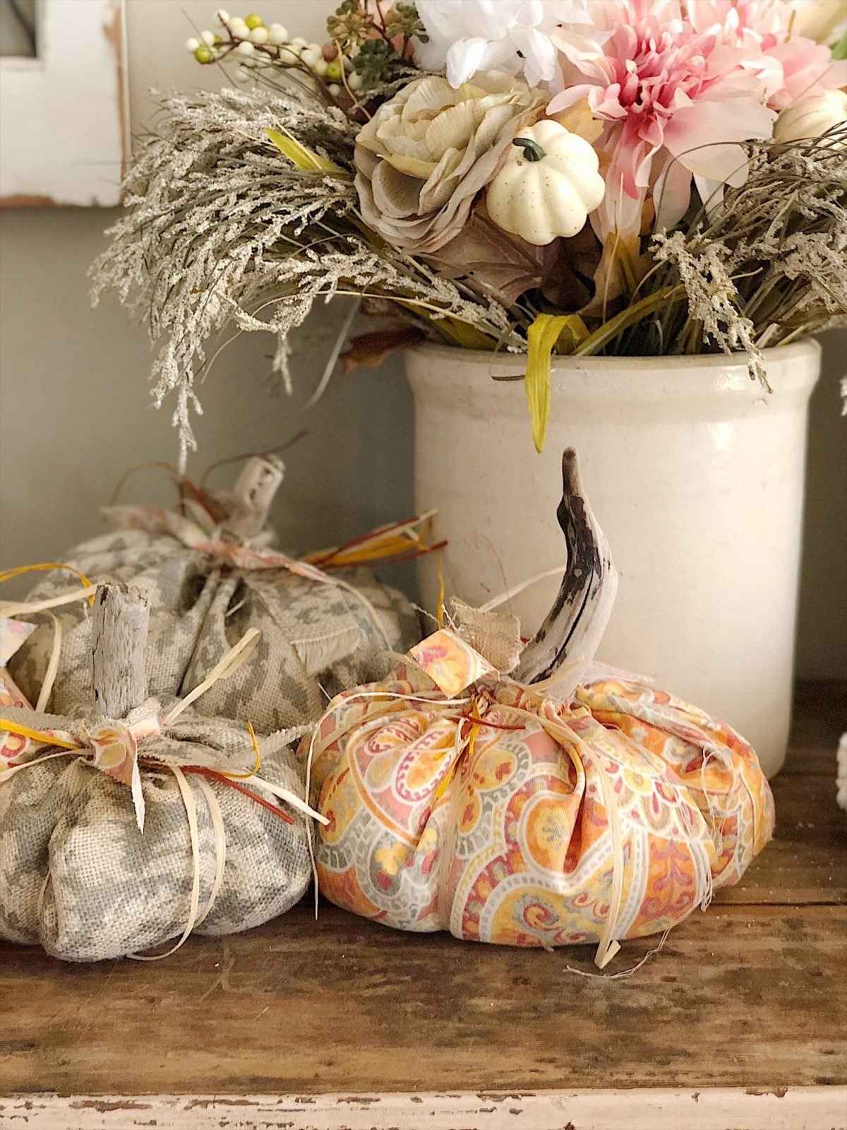 fall floral decor and pumpkins