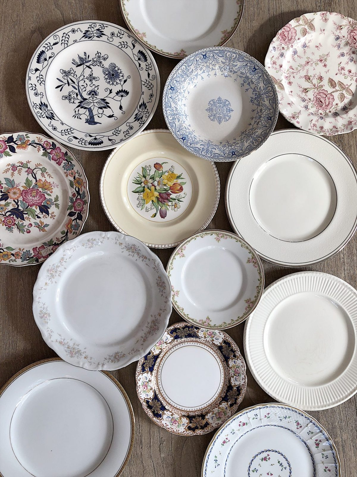 setting the table with grandmothers china