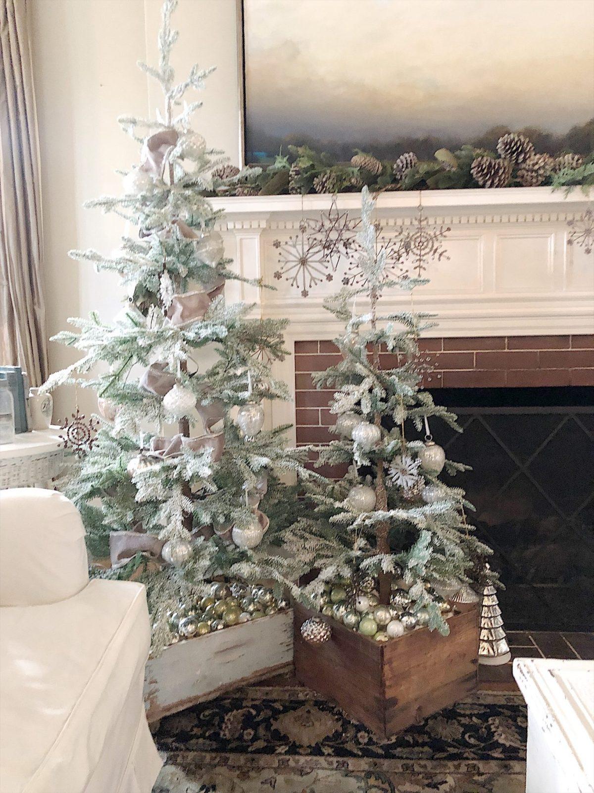 christmas tree tour mantle