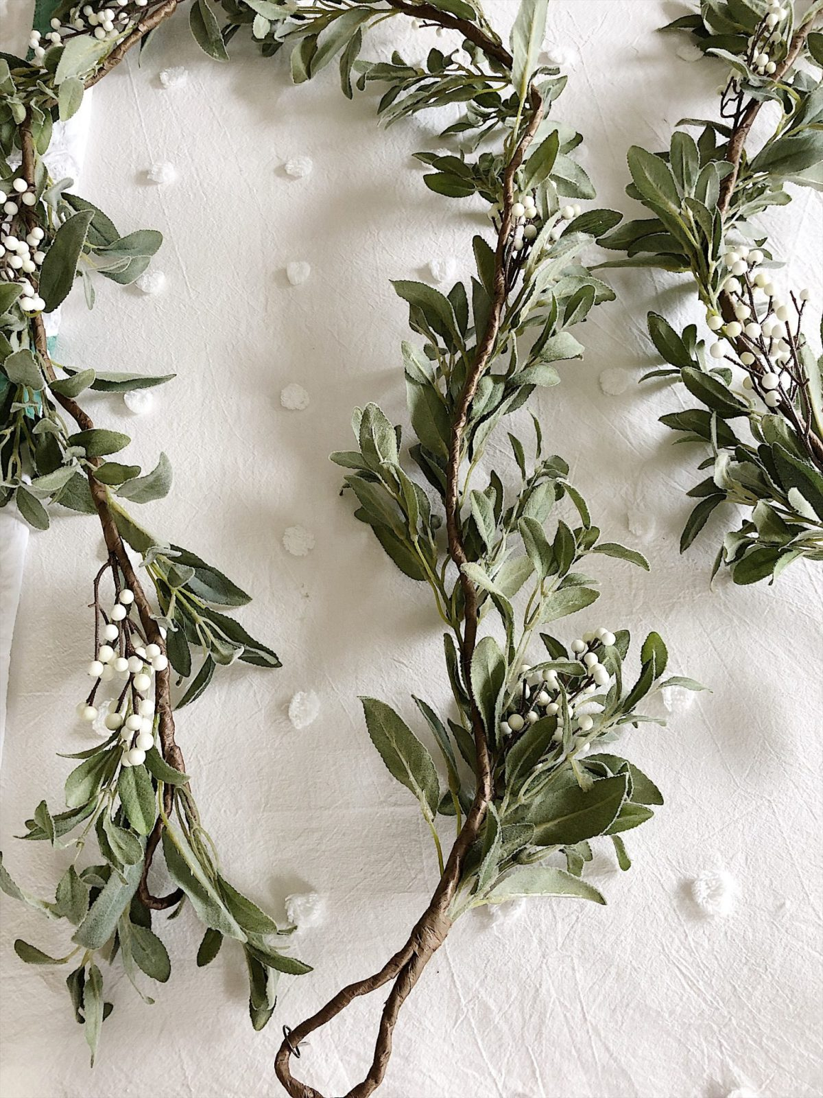 make a DIY christmas wreath