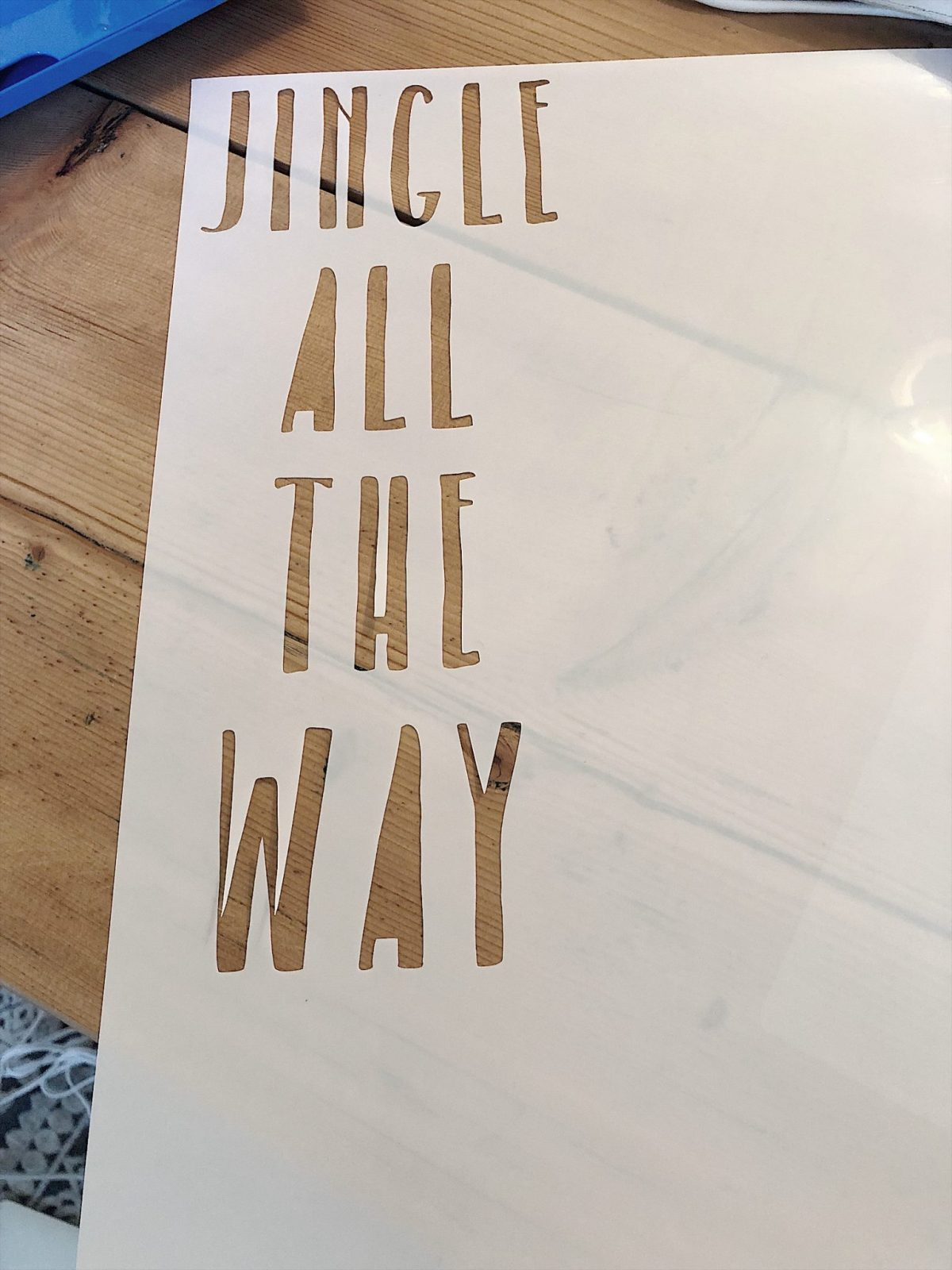 how to make a christmas stencil