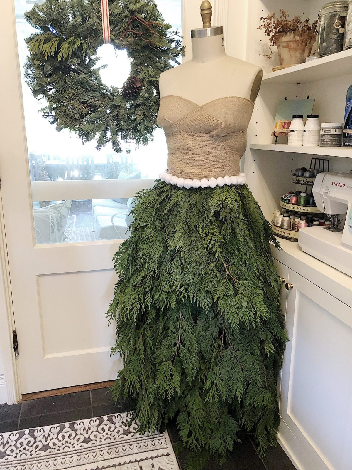 Dress Form Christmas Tree.Christmas Tree Skirt