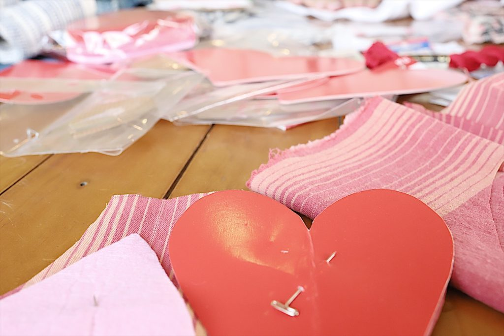 Valentine fabric hearts DIY 4