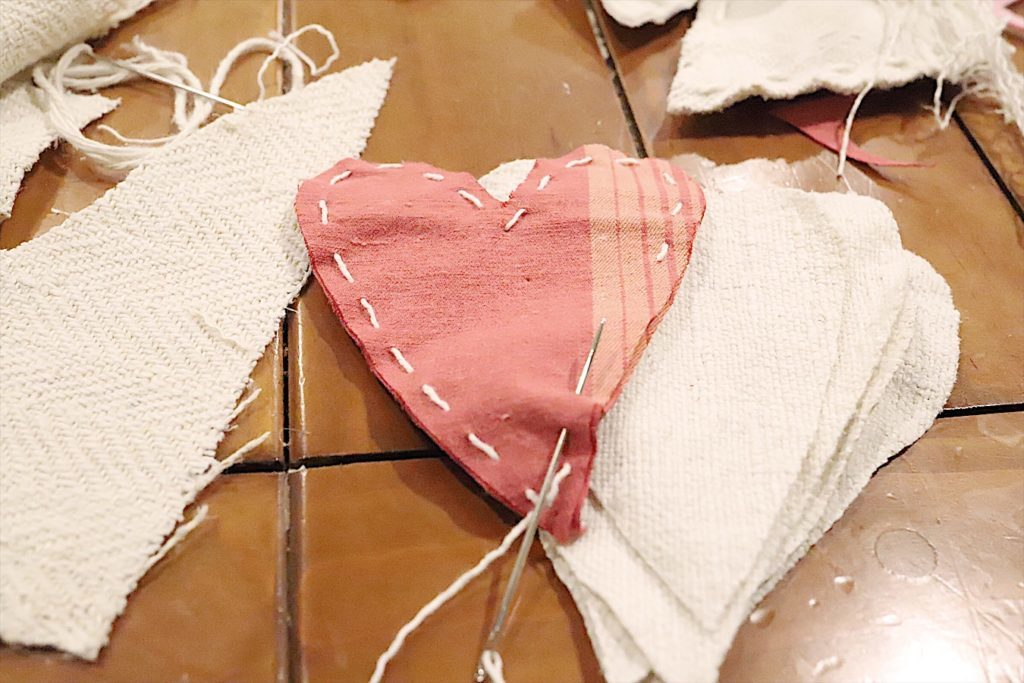 Valentine fabric hearts DIY 6