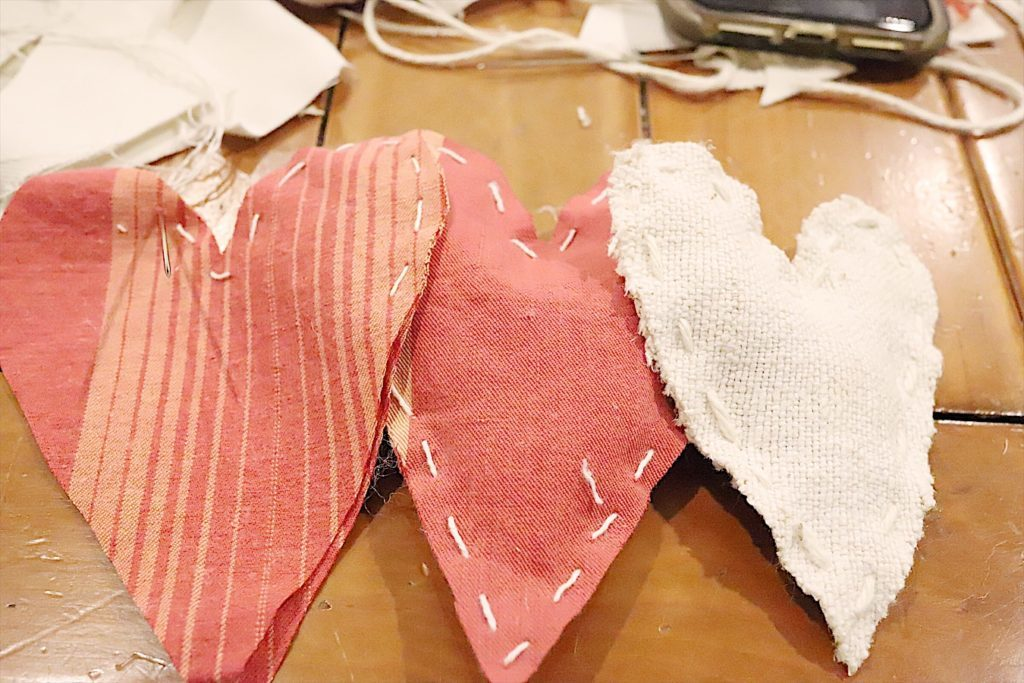 Valentine fabric hearts DIY 7