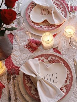 How to Set a Romantic Dinner for Two