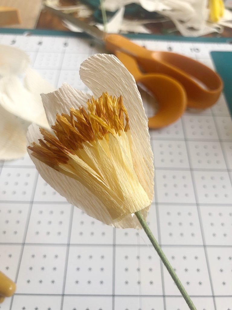 how to make paper flower stamens