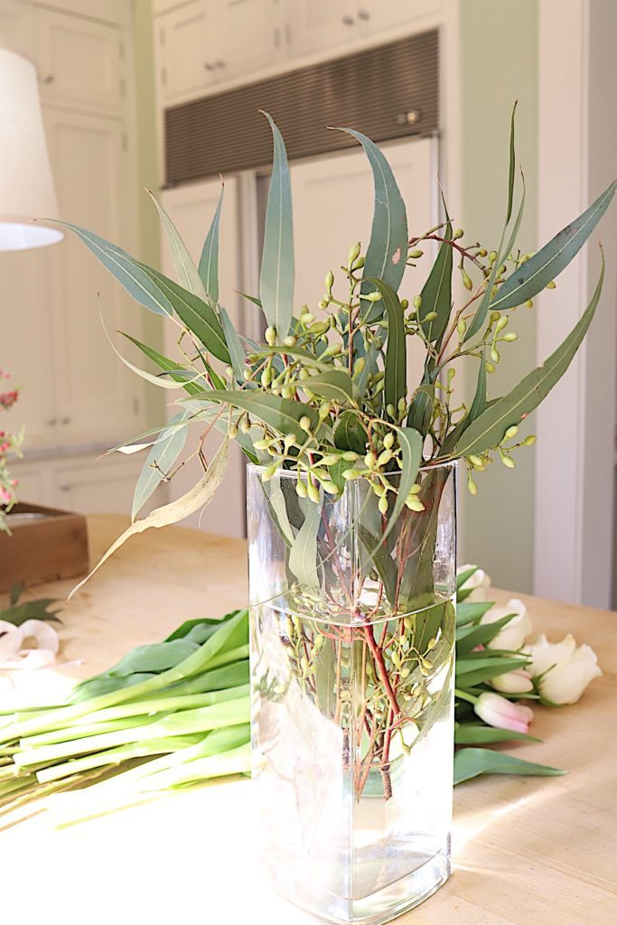 how to make a floral arrangement 6
