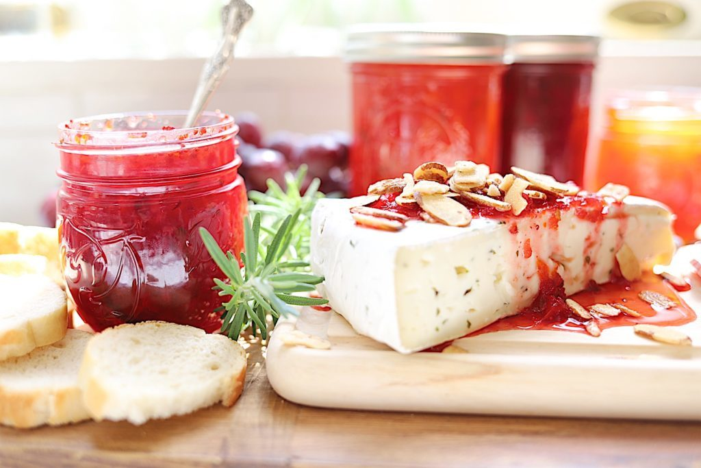 cranberry pepper jam and cheese and crackers