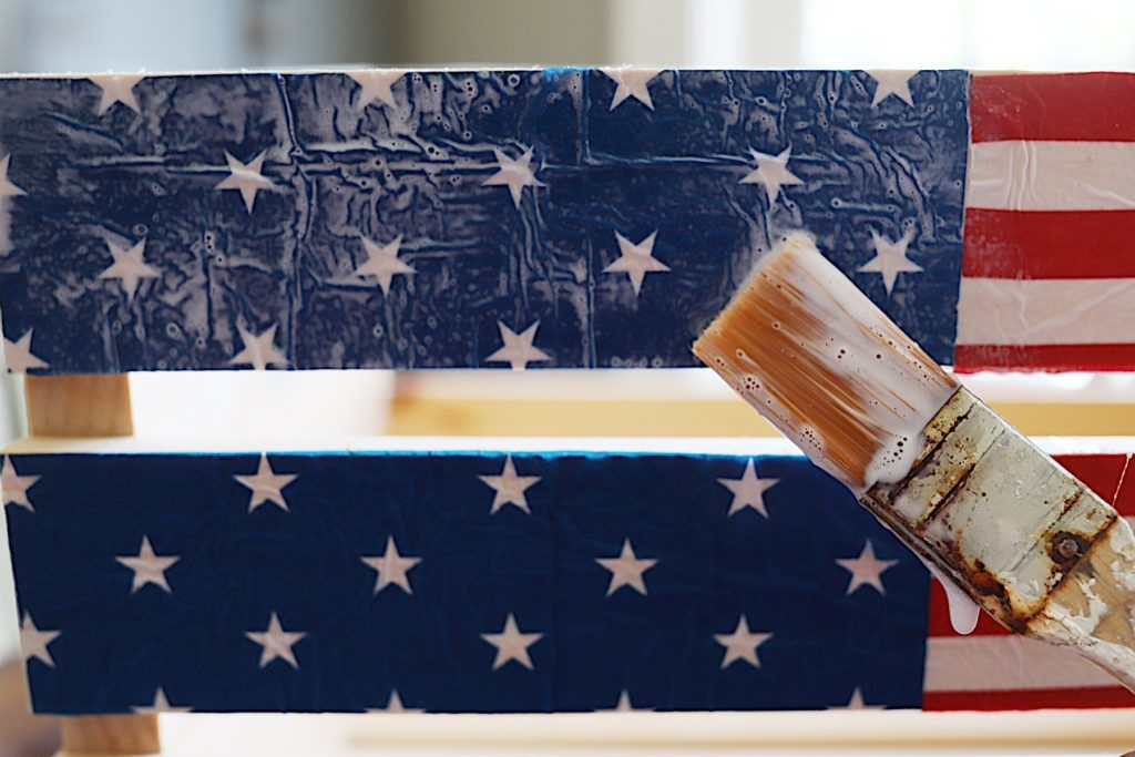 Fourth of July wooden crate napkins DIY project