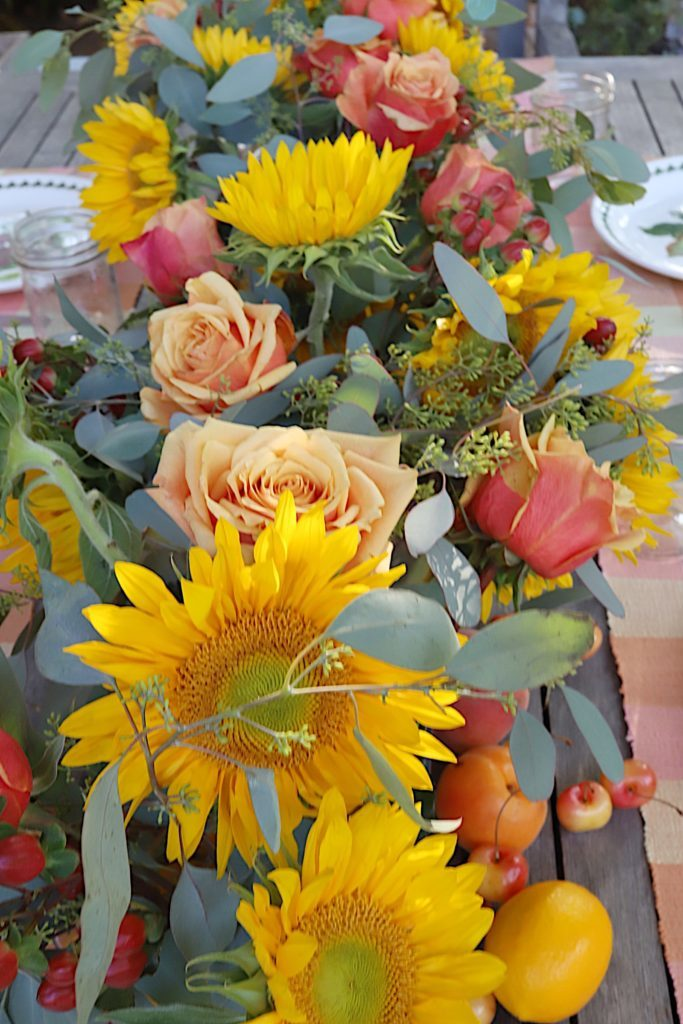 Arranging Summer Dinner Centerpieces