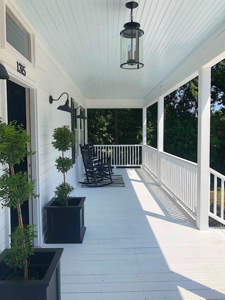 Waco Fixer upper painted porch