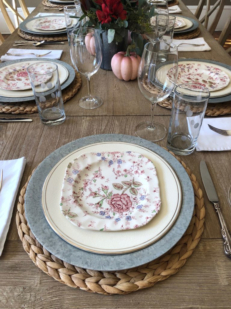 hot to set a fall table