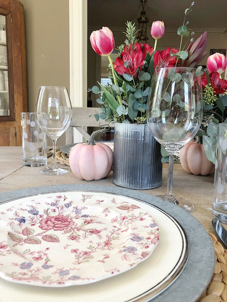 how to set a table for fall dinner