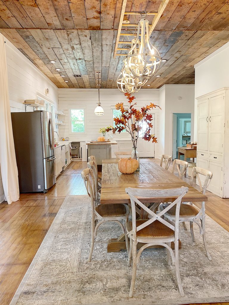 waco airbnb dining area