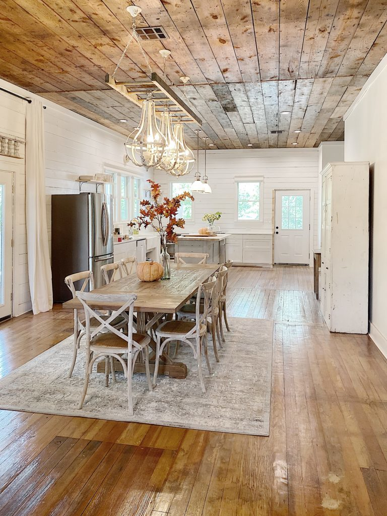 waco airbnb dining room and kitchen
