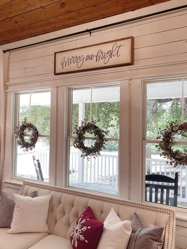 how to hang christmas wreaths