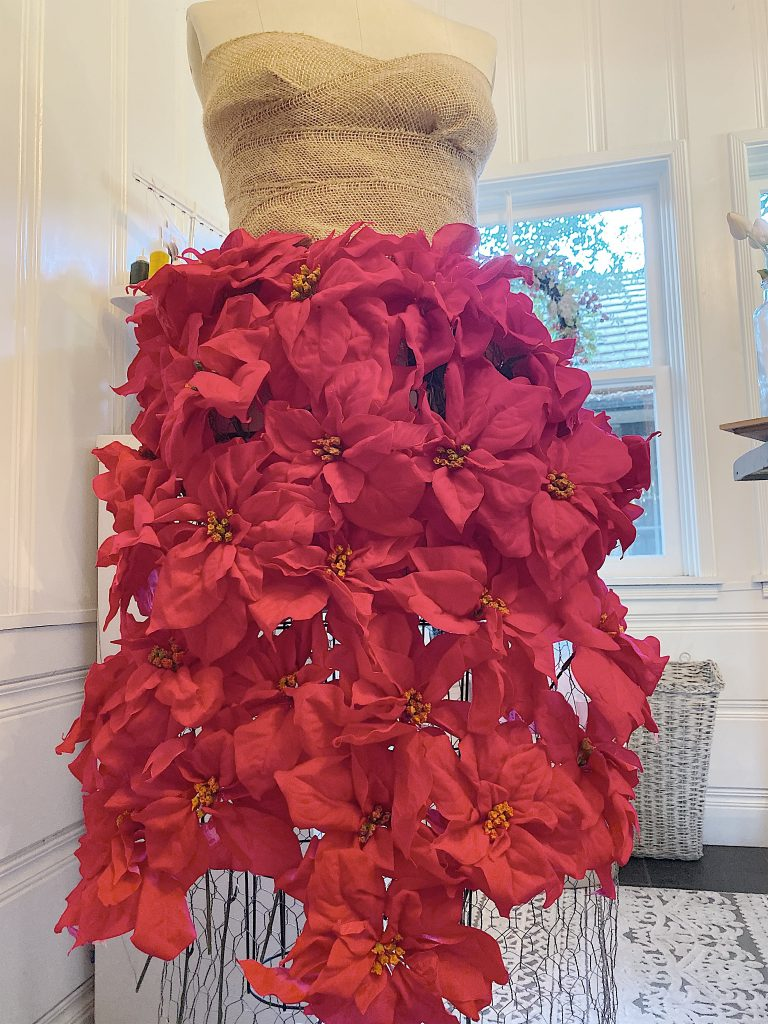 how to make a poinsettia tree skirt