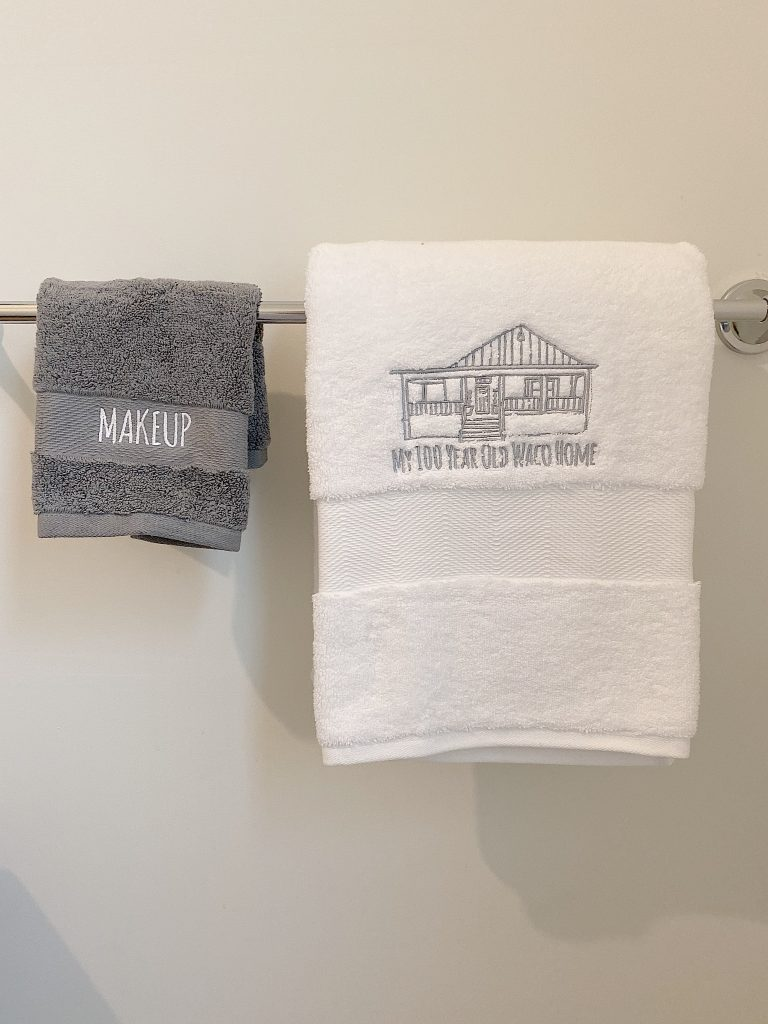monogramed guets towels