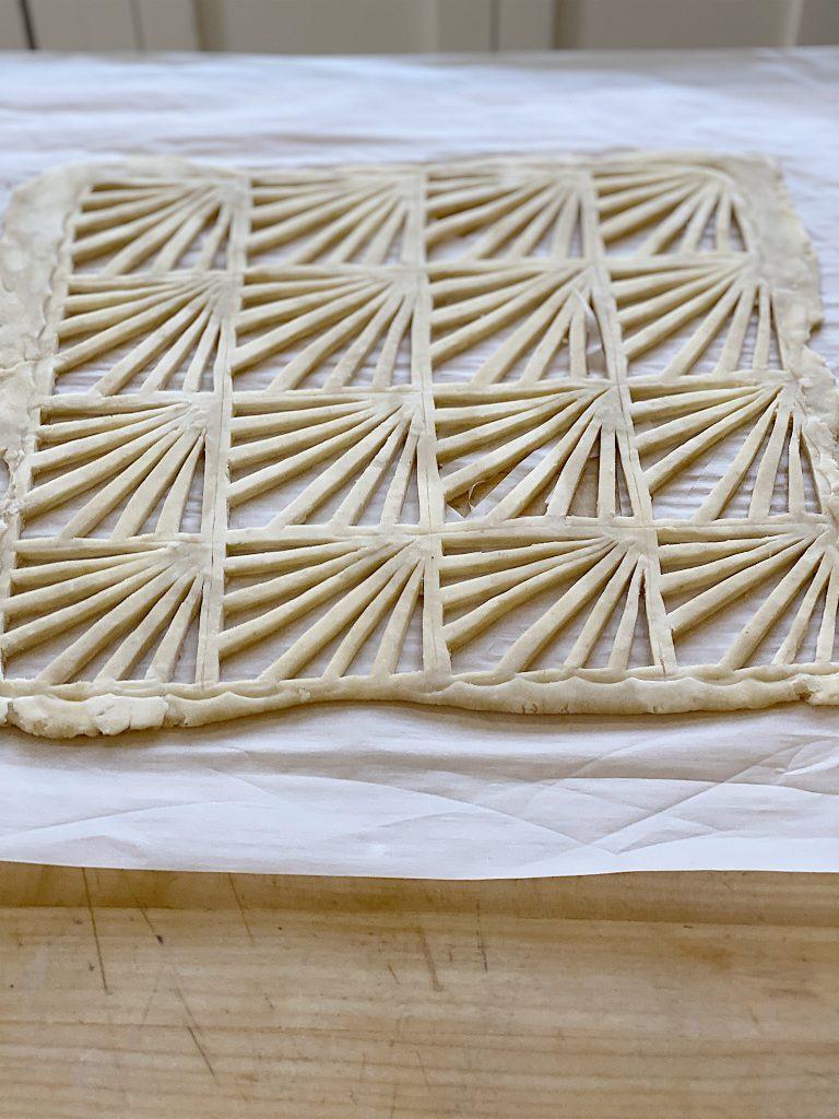 decorative pie crust
