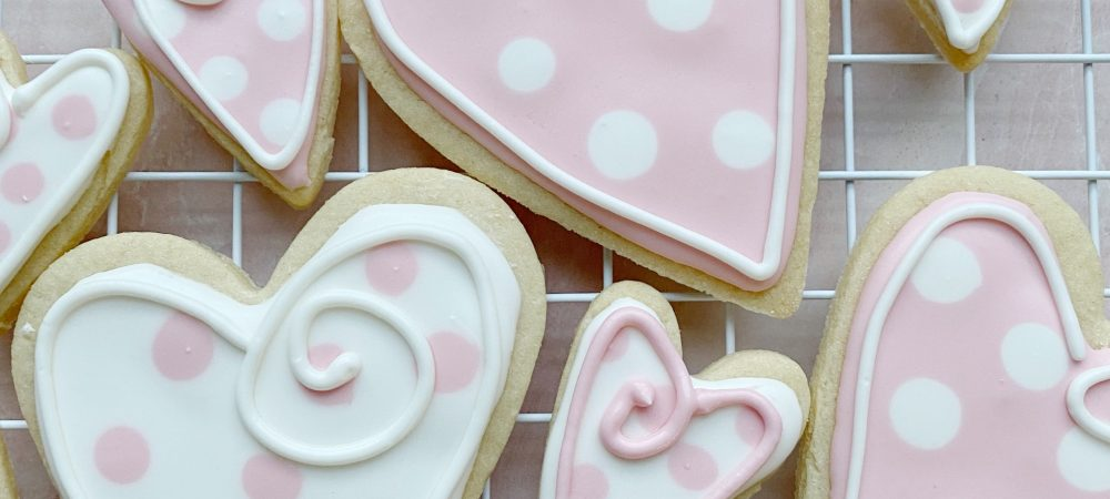 How to Decorate Cookies with Royal Icing 101
