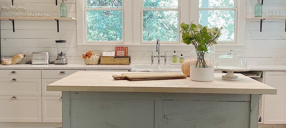 Five Reasons Open Kitchen Shelves Work in the Kitchen