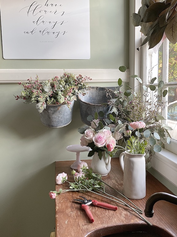 seven reasons why you need fresh flowers in your home