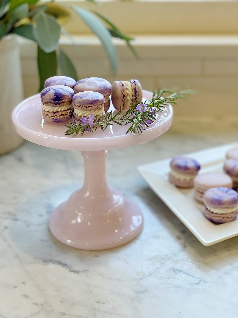 Meringue Up Macarons