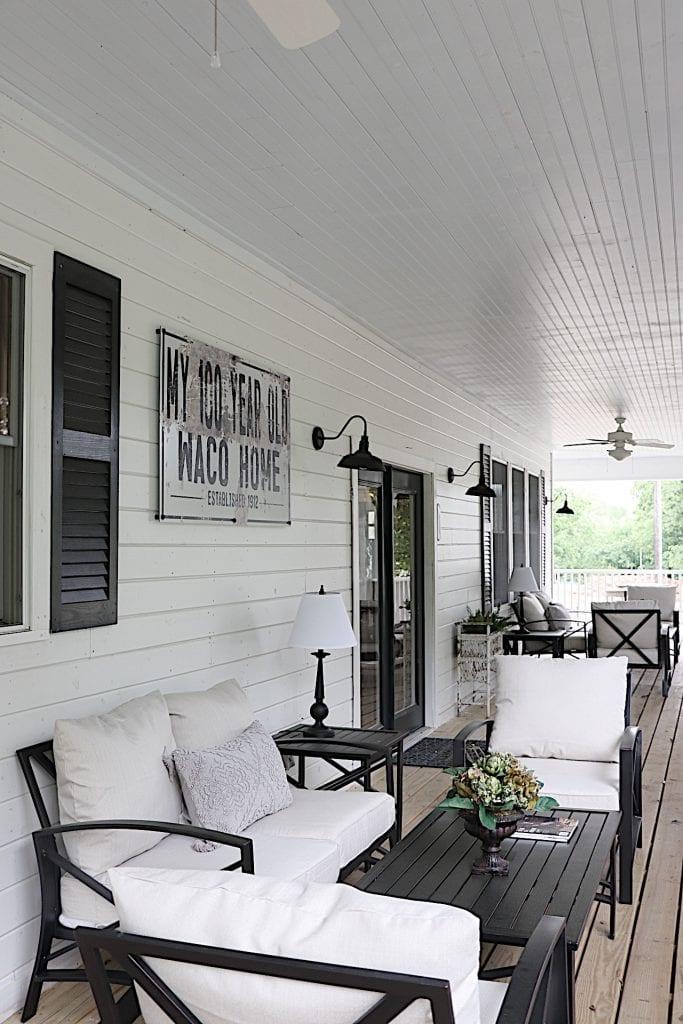 Waco Side Porch