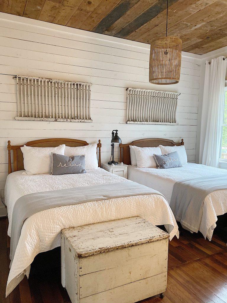 Vintage Bedroom Finds
