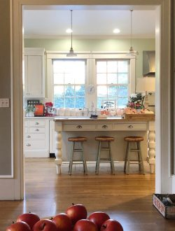 How to Add Fall Decor to Your Kitchen