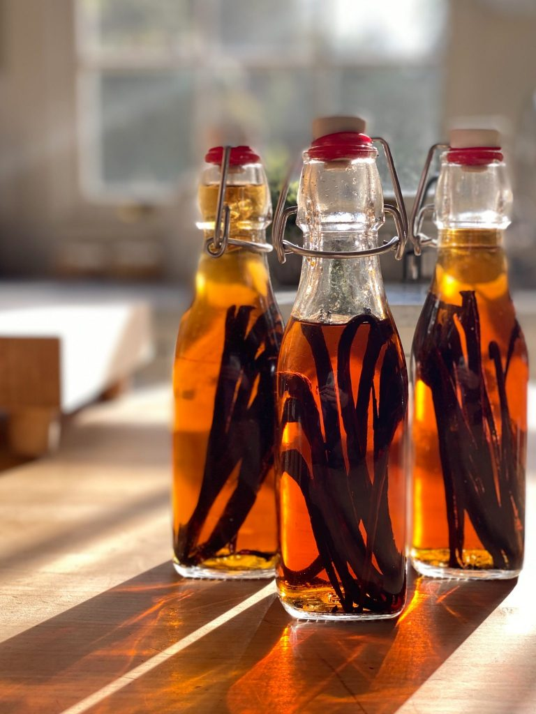 Homemade-Vanilla-Extract-scaled