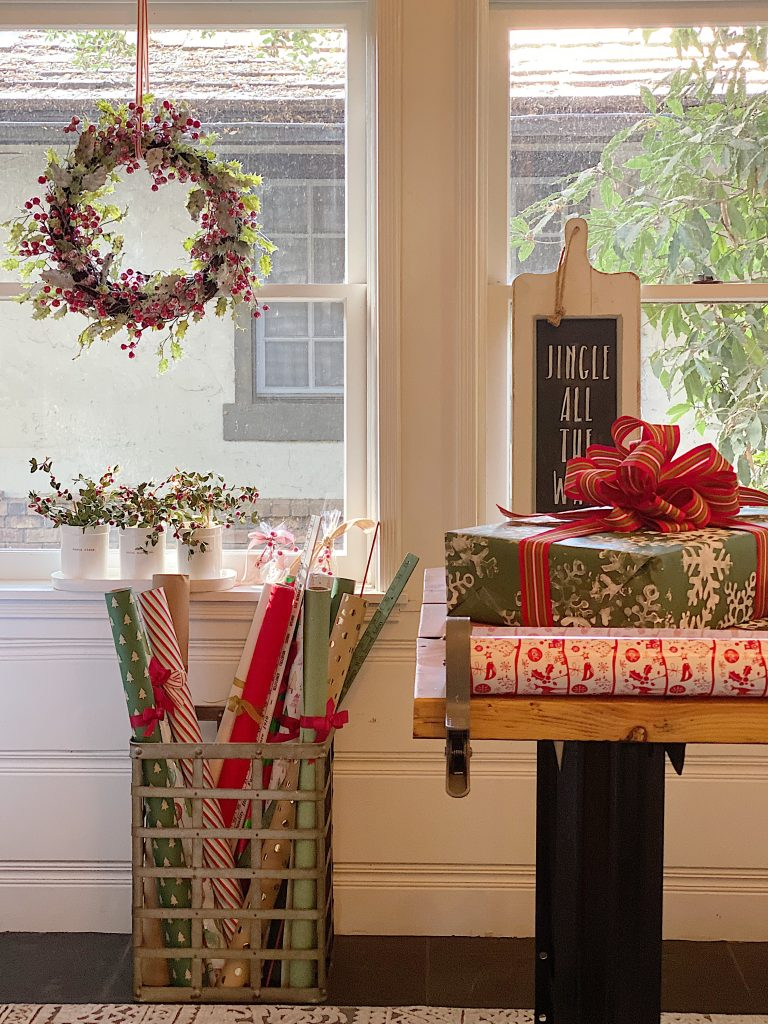 How to Organize Your Gift Wrapping Room 10