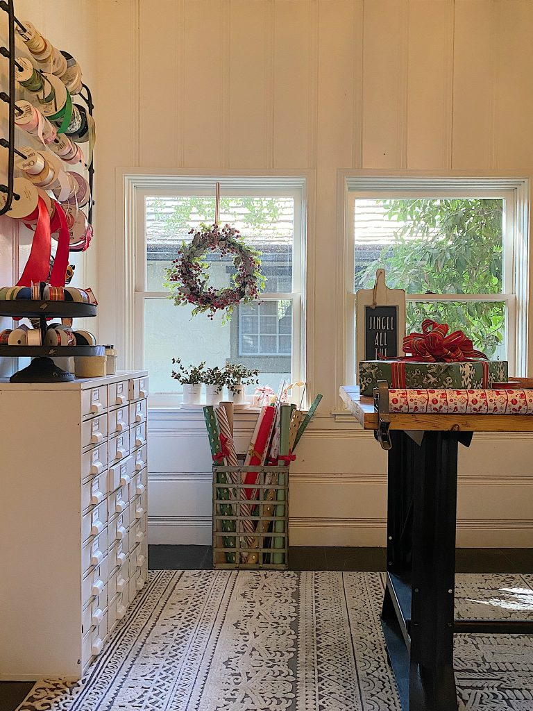How to Organize Your Gift Wrapping Room 4