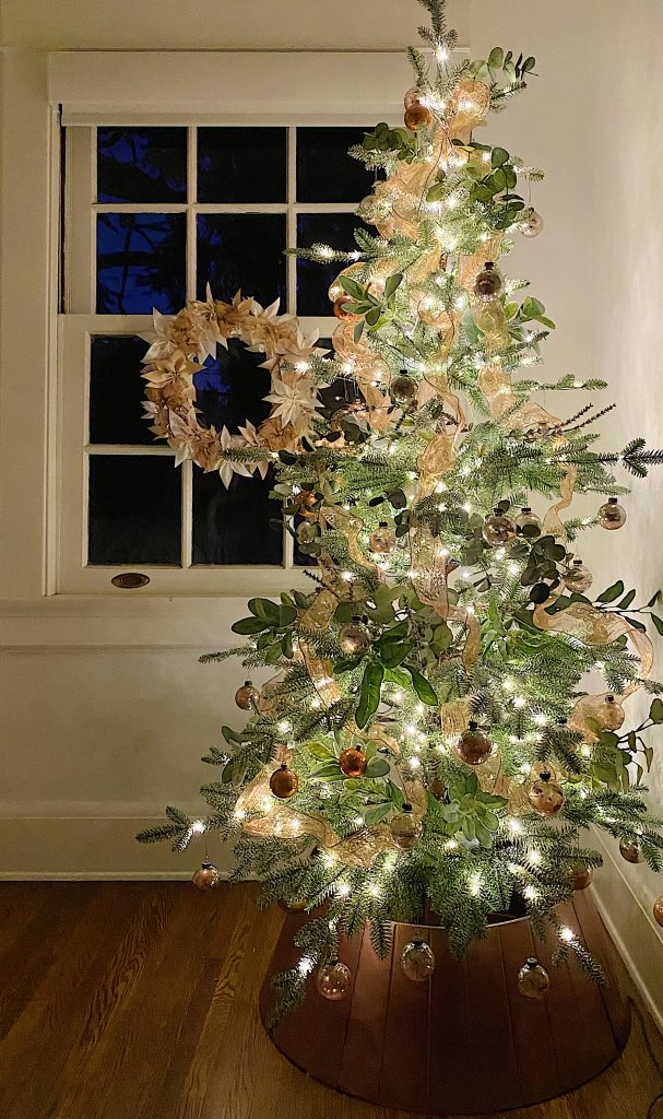 How to Style a Rose Gold Christmas Tree