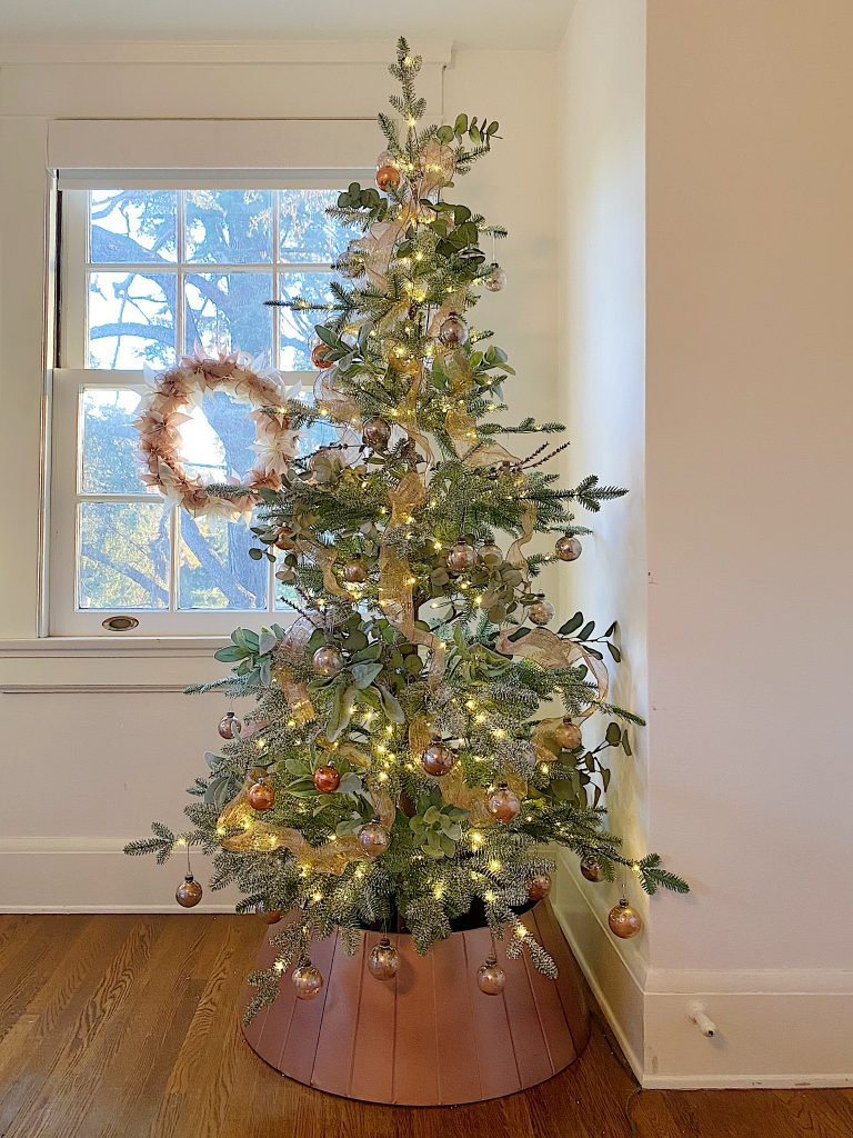 How to Style a Rose Gold Christmas Tree 26