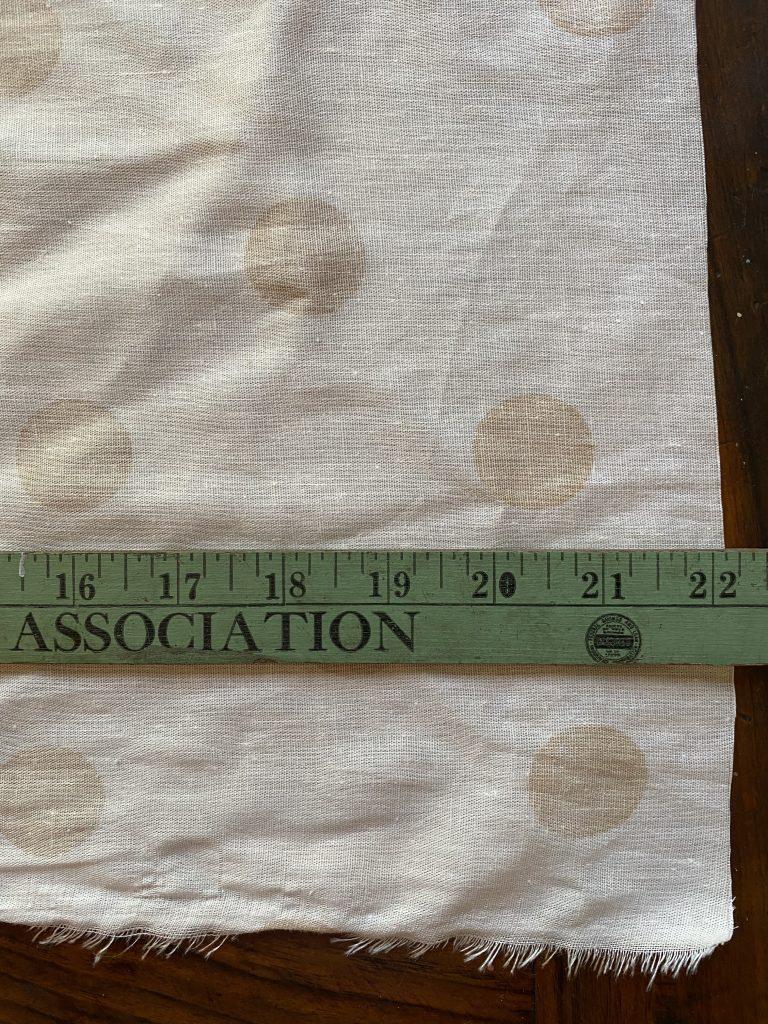 Measuring napkin fabric