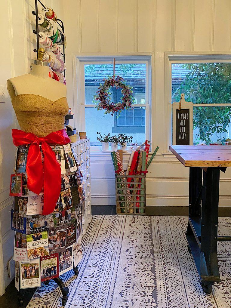 Ways to Display Christmas Cards 21