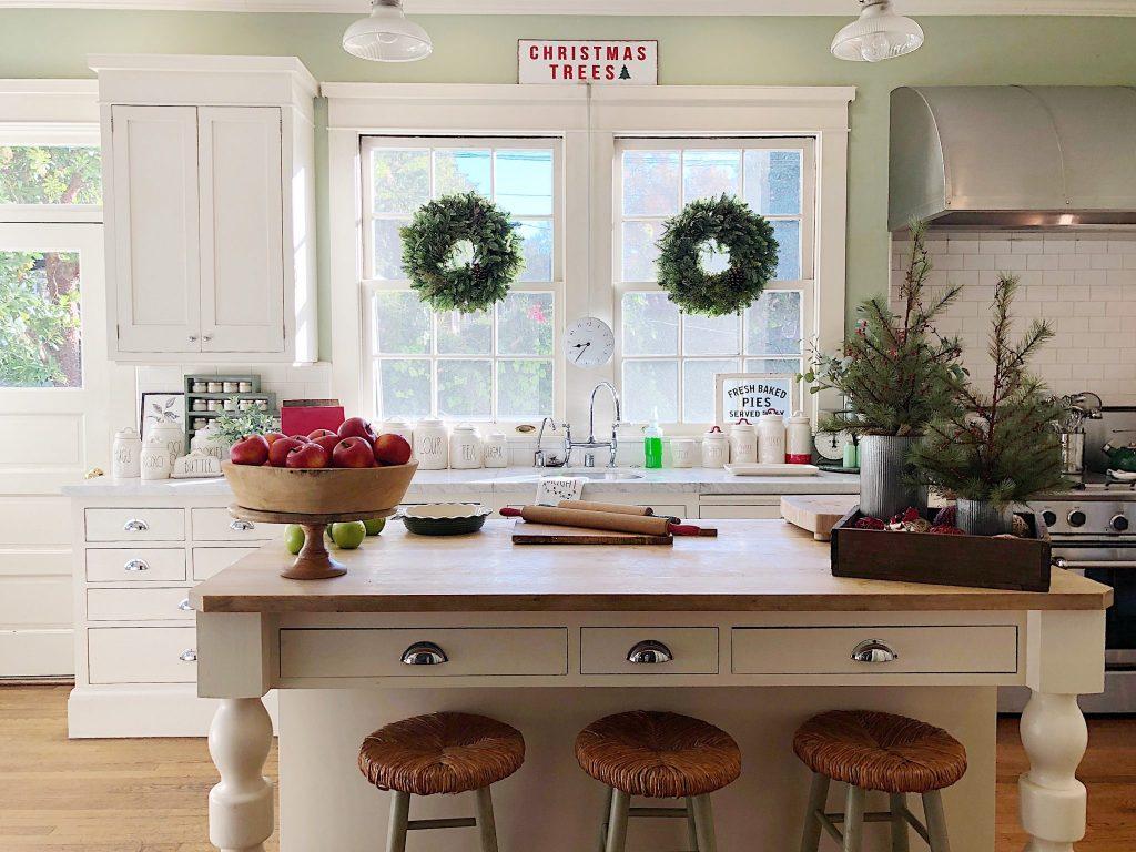 christmas-kitchen-decor (1)